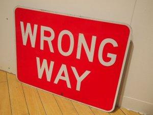 画像2: Wrong way